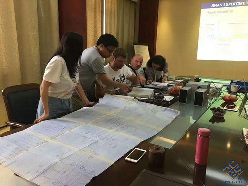 哈萨克斯坦国际友人考察数控龙门钻床用户现场