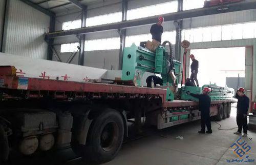 江苏客户3次采购选济南时代百超数控平面钻床